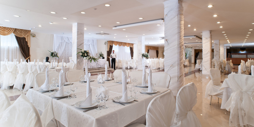 Wedding dcor tips how to decorate a reception for your wedding wedding dcor tips how to decorate a reception junglespirit Images